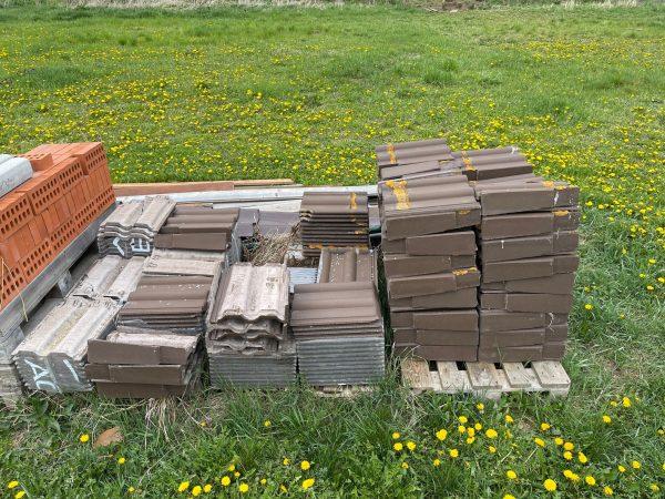 náhled Betonové střešní tašky Bramac Classic tmavohnědé
