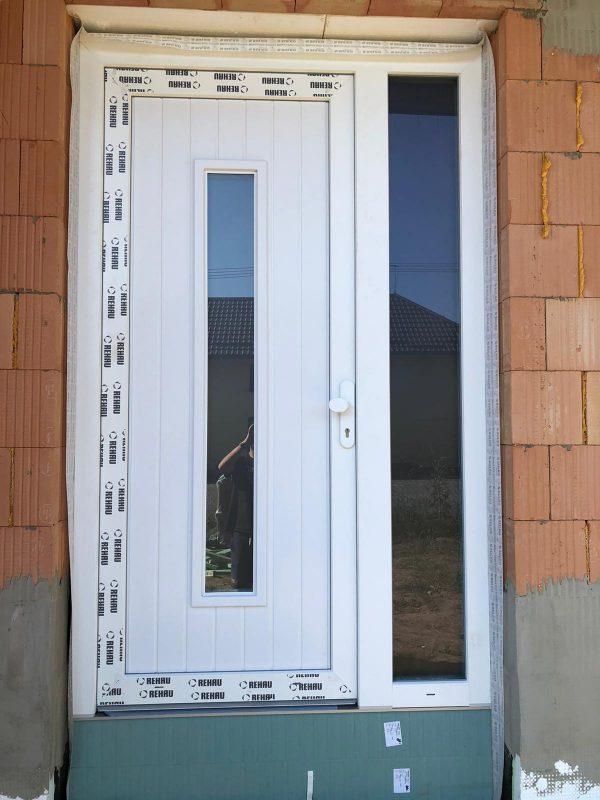náhled Plastové dveře bílé