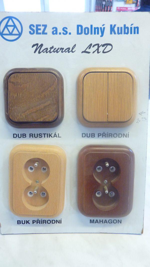 náhled Zásuvky, vypínače v provedení pravé dřevo