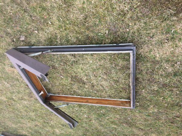 náhled Používaná dřevěná střešní okna za komplet 5ks - 1000 Kč
