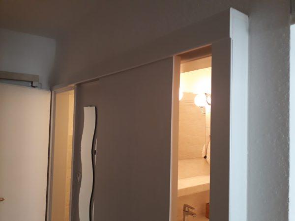 náhled Posuvné dveře Sapeli na stěnu