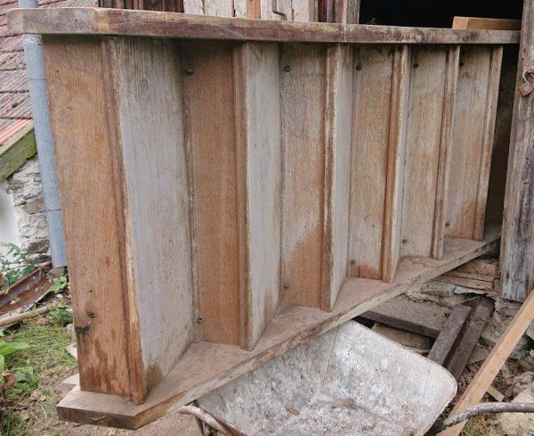 náhled Dřevěné masivní schodiště