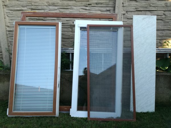 náhled Okno, parapet a radiátor