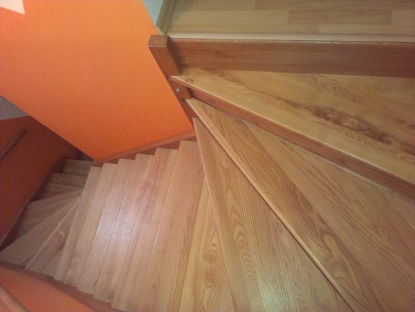 náhled schody celodřevěné