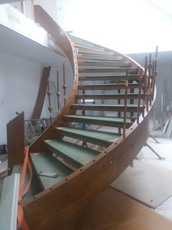 náhled Dřevěné točité schodiště, schody
