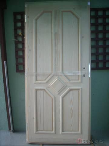 náhled Nové venkovní vchodové dveře z masívu