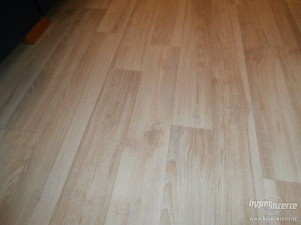 náhled Laminátová podlaha