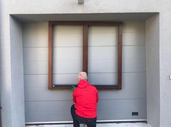 náhled Prodám dřevěné okno OTHERM - tm. hnědá barva, s trojsklem