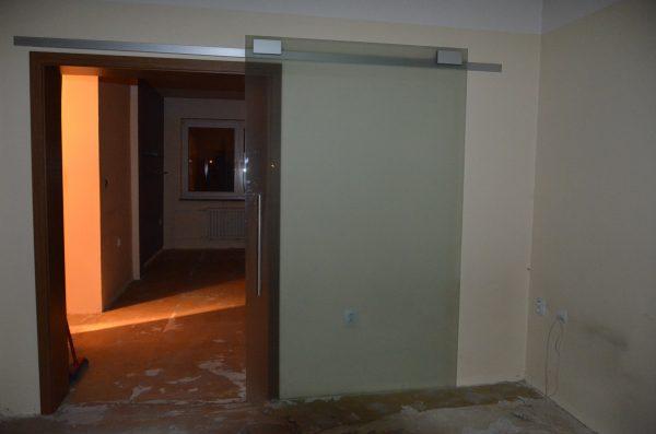 náhled skleněné pojezdové dveře