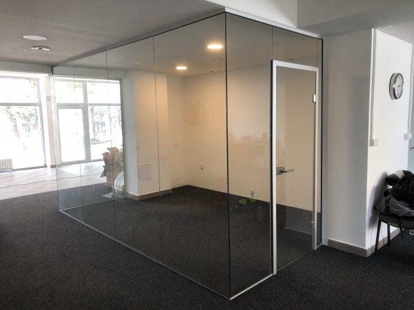 náhled Luxusní Interiérová proskleněná stěna